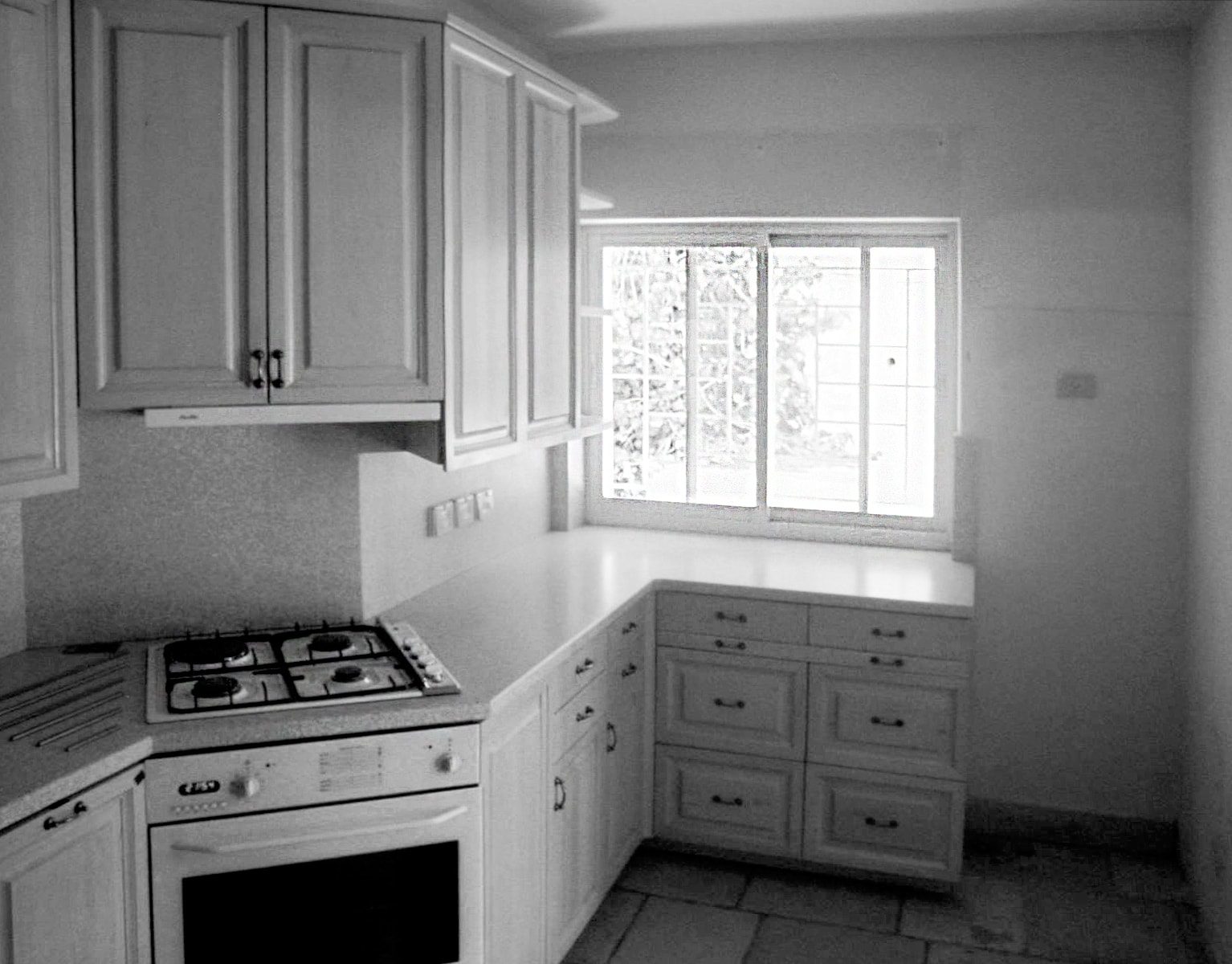kitchen_before-min.jpg